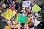 Image 1: Summertime Ball fans arrive