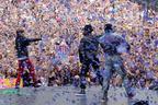 Image 4: Usher