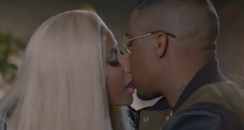 Nicki minaj kiss nas