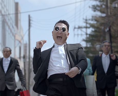 PSY clicking his fingers in 'Gentleman' video