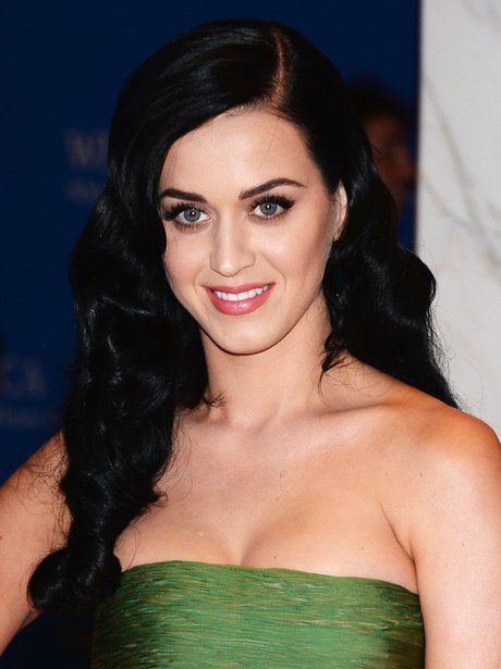 Katy Perry attends the white house dinner in green