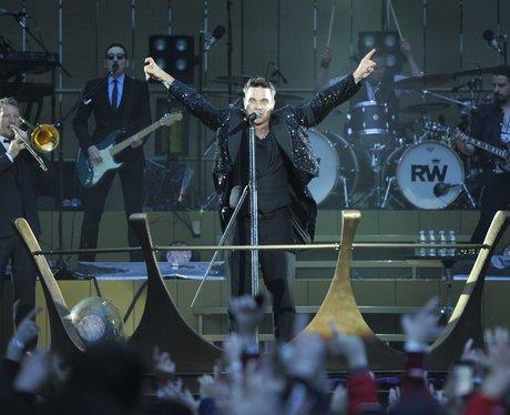 Robbie Williams kicks off his stadium tour