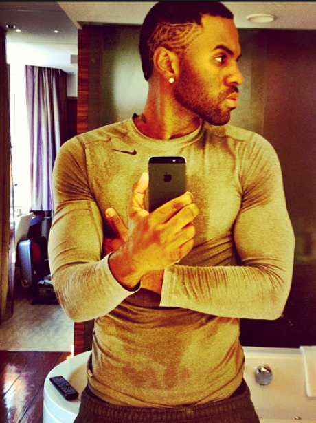jason derulo shoes off his muscles