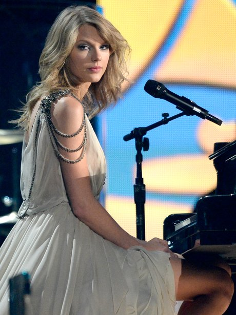 Taylor Swift live at the Grammy Awards 2014