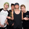 5 Seconds of Summer signing