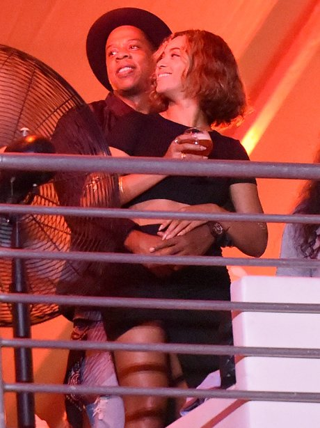 Beyonce and Jay Z dancing