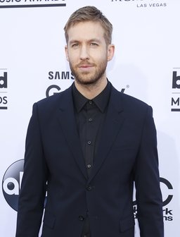 Calvin Harris Billboard Music Awards 2015 Red Carp