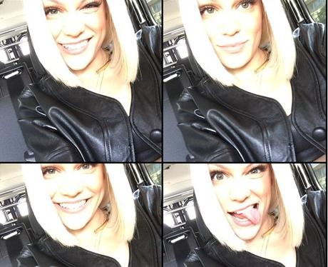 Jessie J selfies