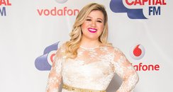 Kelly Clarkson Red Carpet Summertime Ball 2015