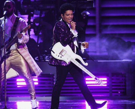 Bruno Mars Grammy Awards 2017