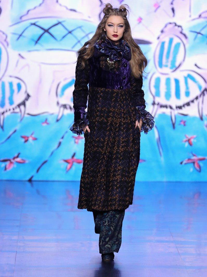 Fashion Week Catwalk