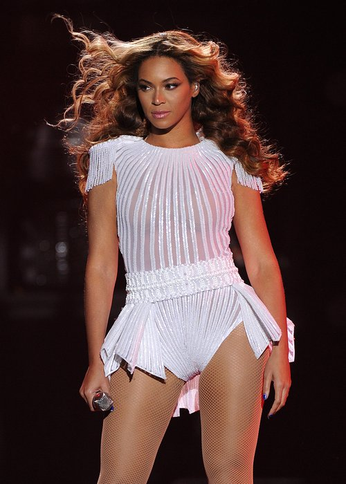 Beyonce Live On Her 'Mrs Carter World Tour' 2013
